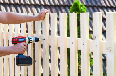 Why Hire A Fence Company Instead Of DIY?
